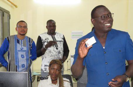 Burkina : la première Carte nationale d'identité burkinabè de l'ONI/ Kaya produite