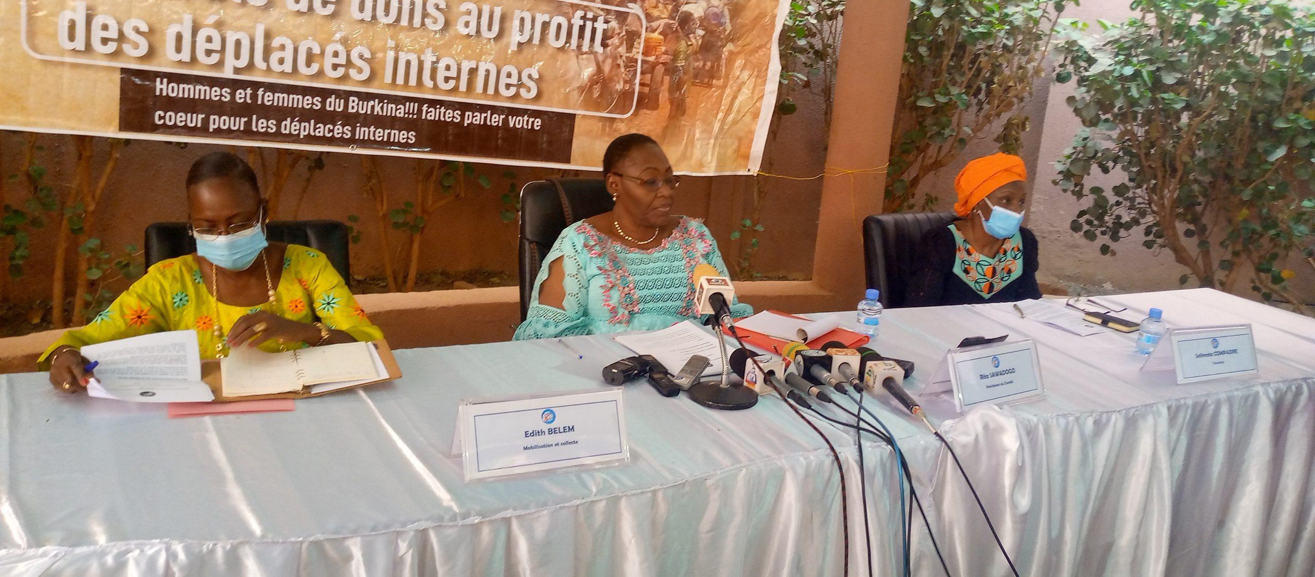 Mouvement « Célébrons le 8 mars autrement » : plus de 16 millions de francs CFA et des vivres distribués aux déplacés internes en 2020
