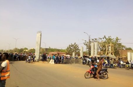 Ouagadougou : des élèves du Bogodogo bloquent la route de l'hôpital Yalgado