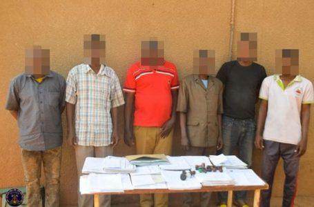 Lutte contre l'insécurité urbaine : un réseau de faussaires démantelé par la police nationale à Ouagadougou
