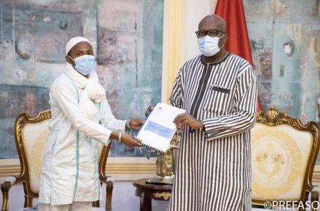 Promotion de la cohésion sociale : un projet pour réduire la vulnérabilité des éleveurs remis au président du Faso