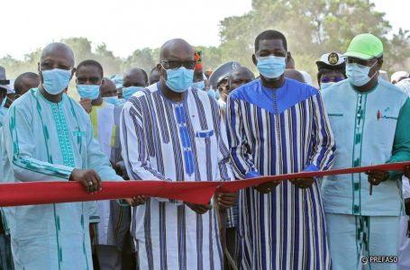 Région du Centre-Sud : Roch Marc Kaboré inaugure la route nationale 29 qui relie Manga à Zabré