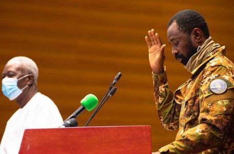 Mali : Assimi Goïta reçoit une délégation de l'Azawad en présence de Choguel Maïga