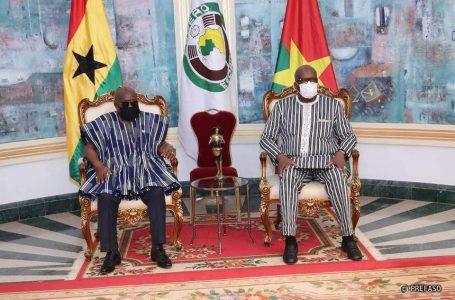En visite au Burkina : le président ghanéen, Nana Akufo-Addo exprime la solidarité de la CEDEAO et de son pays au peuple burkinabè