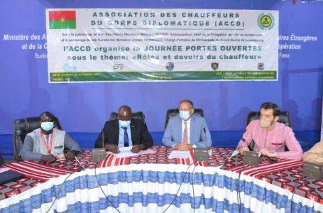 Burkina : une journée portes ouvertes pour découvrir les chauffeurs du corps diplomatique
